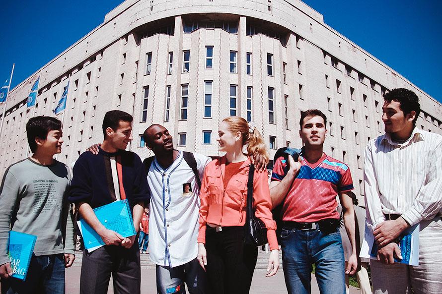 Иностранные студенты теперь могут въехать в РФ для продолжения обучения: новый порядок въезда иностранных студентов в РФ в 2021 году