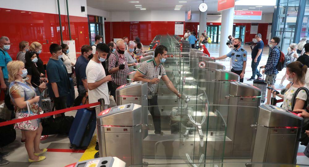 Мигрантам упростят въезд в Россию